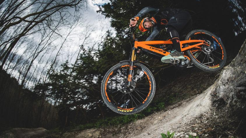Orange Alpine E