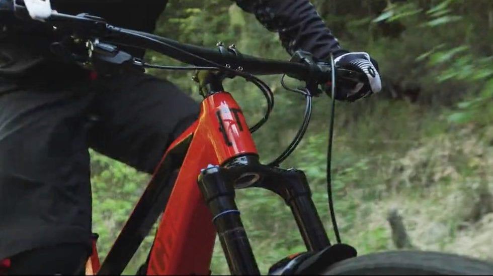 VIDEO – Con le e-bike si può salire davvero dappertutto?