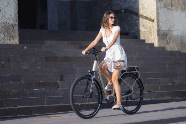 Distanziati ma liberi di pedalare