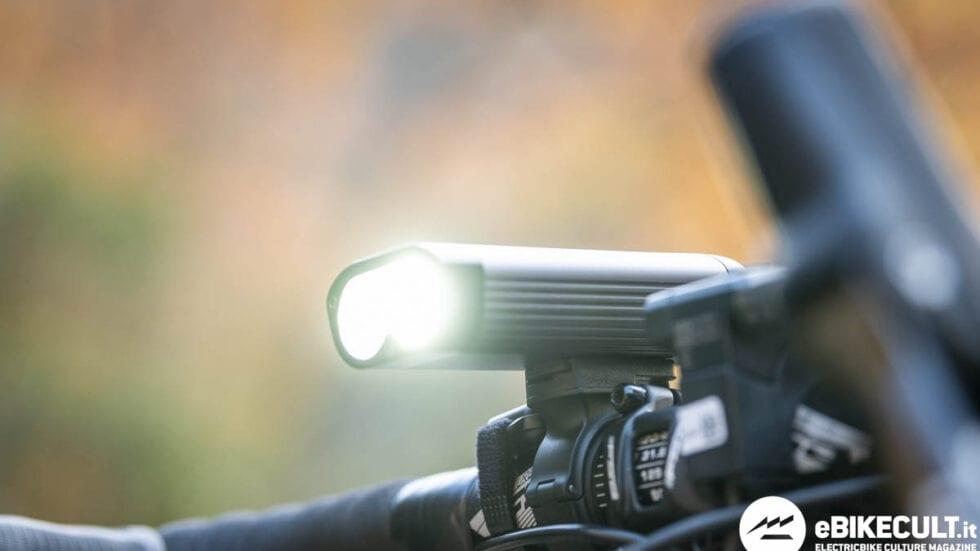 TEST – Luci Ravemen PR1600 e CL05: sicurezza e visibilità in tutte le condizioni